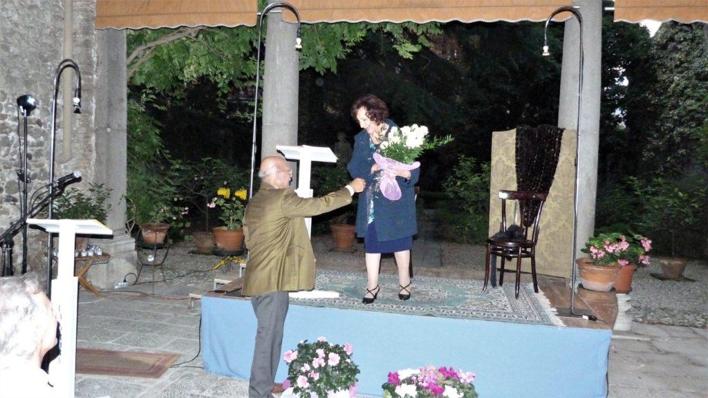 3 - Il presidente ringrazia Titti Bisutti